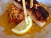Blackened zalm met pittige rijst en koriander jalapeno saus